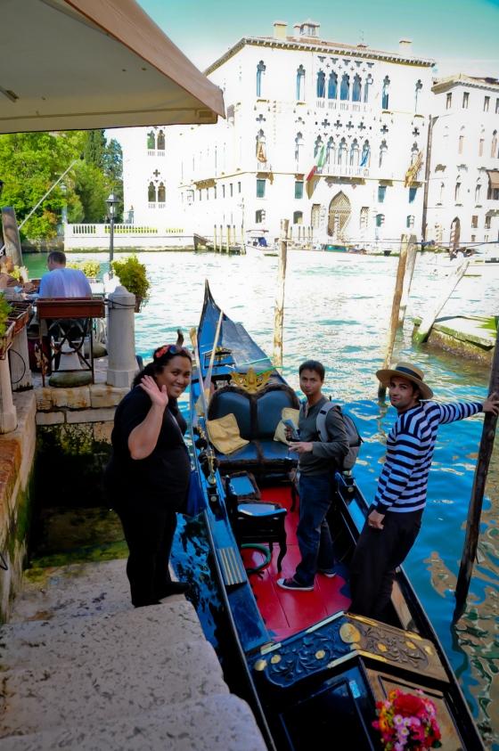 Jom naik gondola. Cas sebijik gondola ni 80 euro untuk 40 minit.