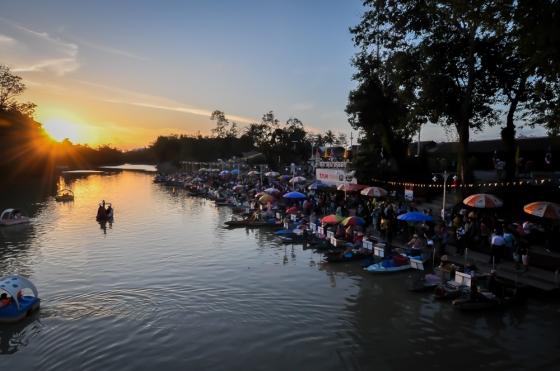 Senja di Khllong Hae