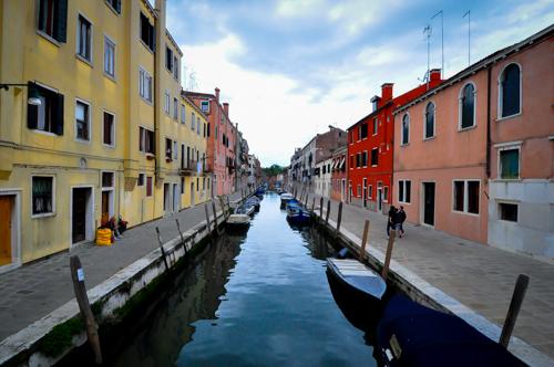 Venice waktu pagi takdak orang. Masa ni pukol7 semua dok dalam umah lagi. Sejuk.