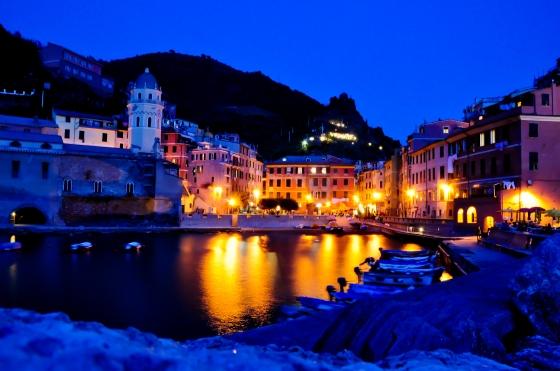 Vernazza pada waktu malam