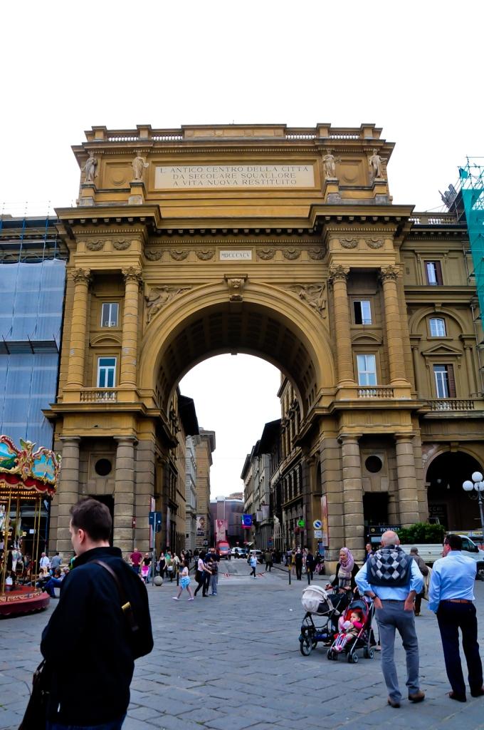Piazza Dell Republicca. Kat sini pon ada Publika macam kat Dutamas kl