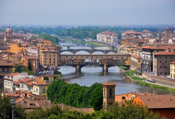 Ponte Vechio dari puncak Piazza Michelangelo