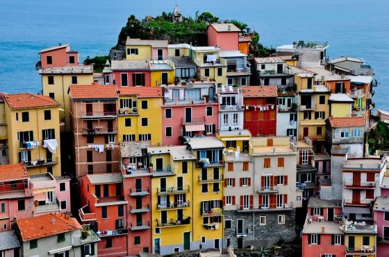 Colorful houses di Manarola. Yang ni lah keunikkan Cinque Terre