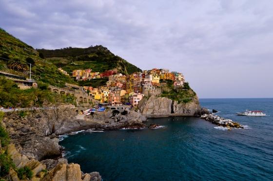 Mnarola view daripada coastal path. Sebahagian saja coastal path yang di buka. Jalan untuk ke Corniglia & ke Riomaggiore di tutop buat sementara waktu