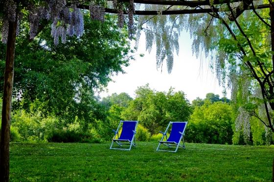Rest & relax depan bnb