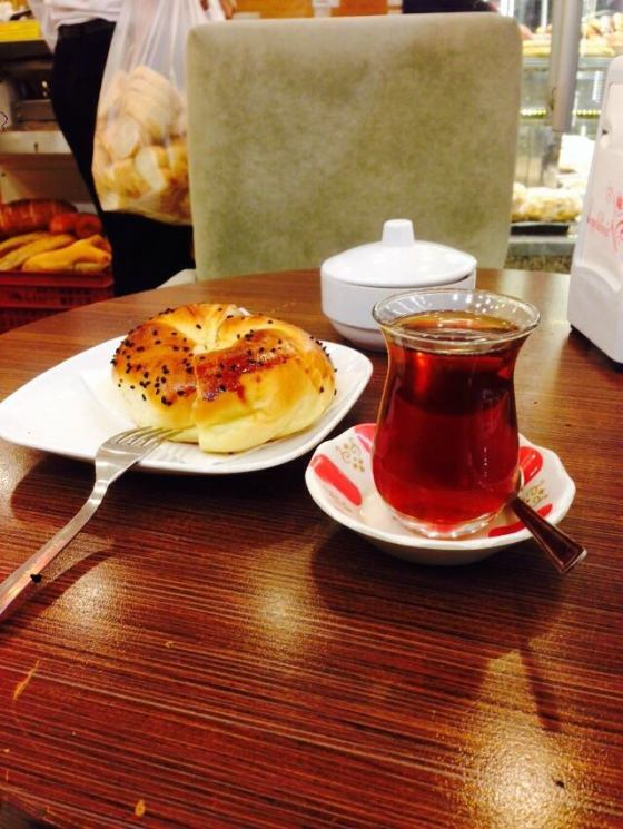 Chai - 1 lira Roti - Tak tau berapa lira. Dia bagi free je
