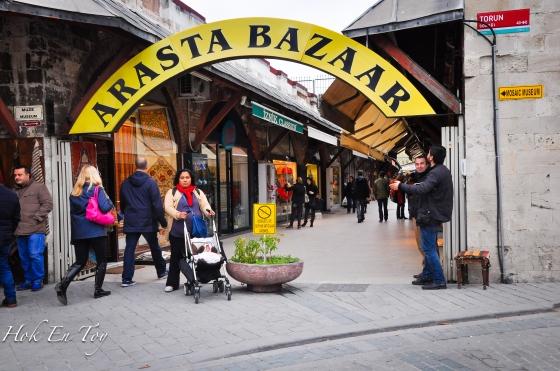 Arasta Bazaar. Aku tak beli apa pon kat sini. Tak tanya harga pon. Shopping kat sini tak sesuai untuk golongan traveller bajet rendah macam aku ni ha.