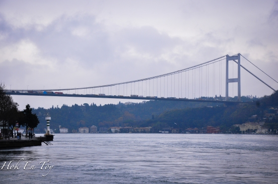 The Bosphorus suspension bidge di antara Ortakoy & Beylerbeyi (Europe & Asia)