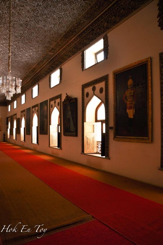Walkway di dalam istana
