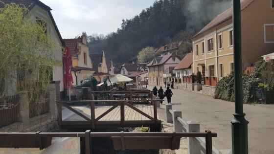 us 3 village